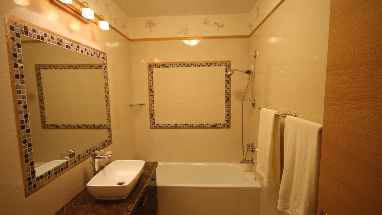 אמבטיה (2)